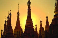Shwedagon Sunset.jpg