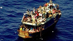 migrants-boat-m_0_0